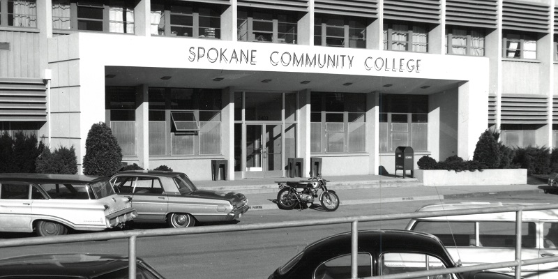 Black and white 1960s era photo of Old Main at SCC