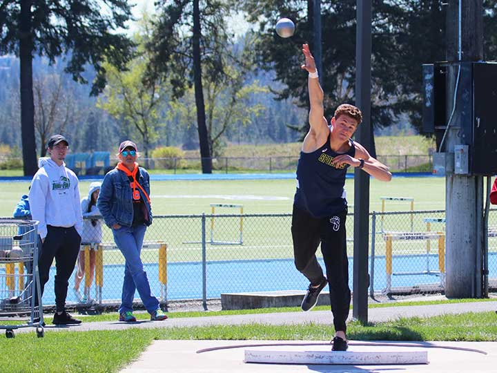 Men's track and field shotput