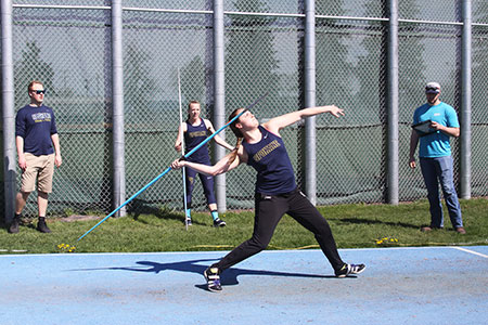 A female athlete at the javelin throw